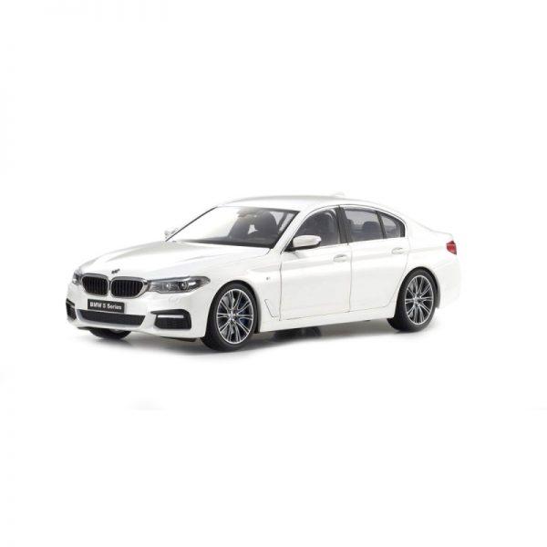1:18 BMW 5 Series (G30) - Mineral White