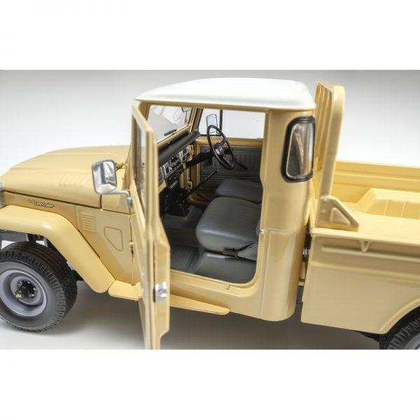 1:18 Land Cruiser 40 Pickup - Beige