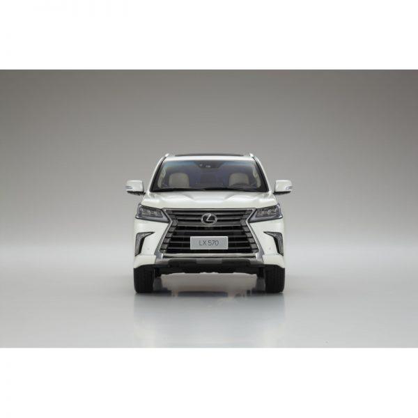 1:18 Lexus LX570 - Sonic Quartz