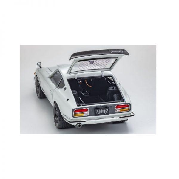 1:18 Nissan Fairlady Z-L (S30) - Pearl white
