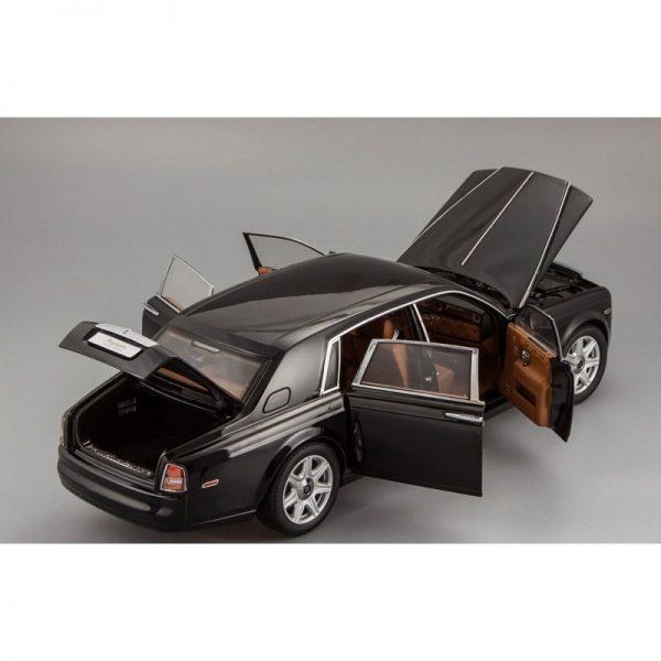 1:18 Rolls-Royce Phantom EWB - Diamond Black
