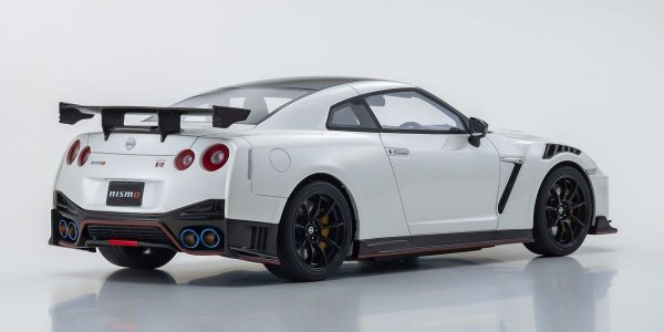 1:18 2020 Nissan GT-R NISMO - White