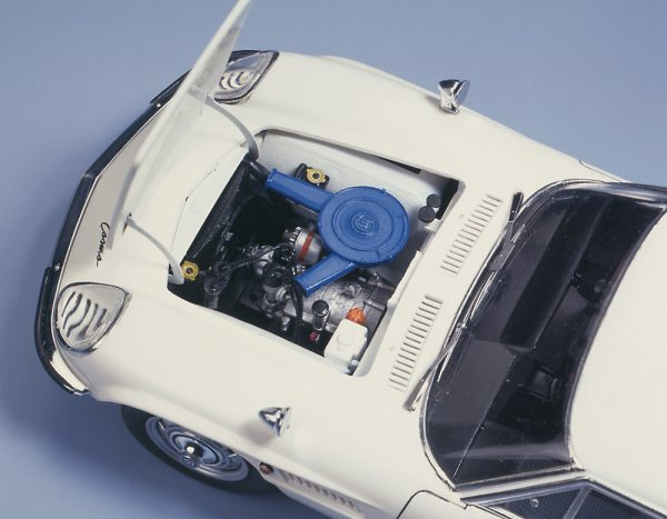 Mazda Cosmo Sport 1:24 With Metal Engine Detail Kit
