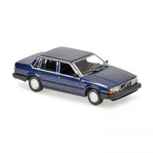 1:18 1986 Volvo 740 GL - Dark Blue Metallic