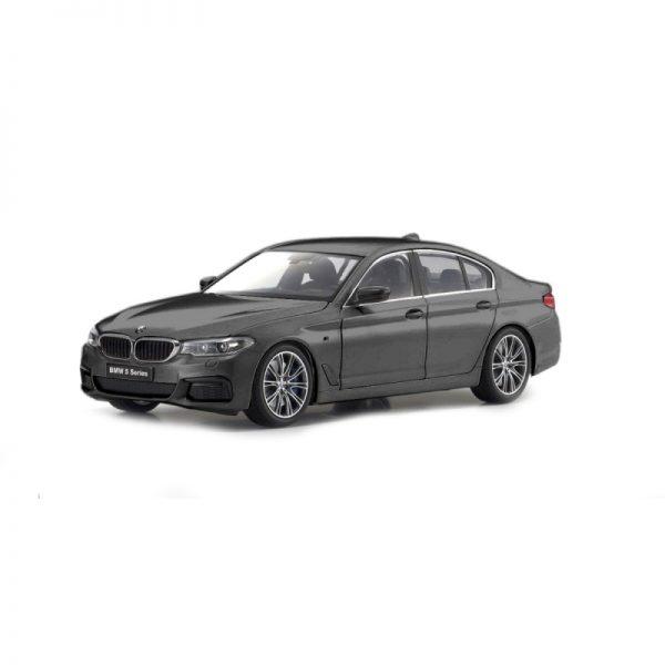 1:18 BMW 5 Series (G30) - Arctik Grey
